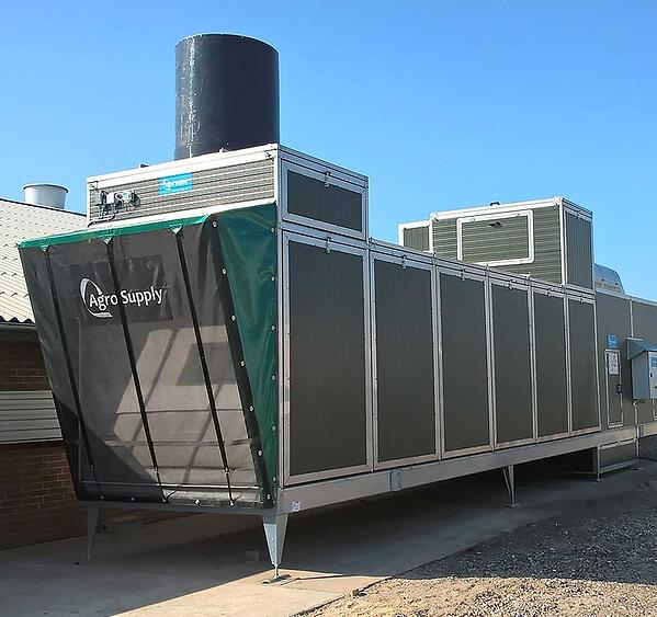 Field study on effects of a heat exchanger on broiler performance, energy use, and calculated carbon dioxide emission at commercial broiler farms, and the experiences of farmers using a heat exchanger